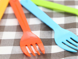 プラスチック製のフォーク