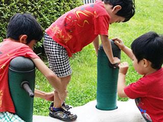 子供同士が遊ぶ