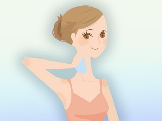 首筋の汗を拭く女性