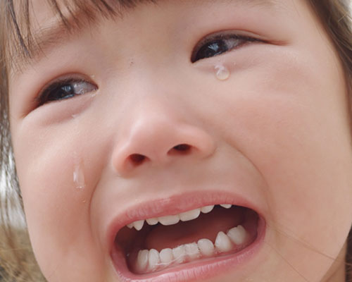 女の子の泣き顔
