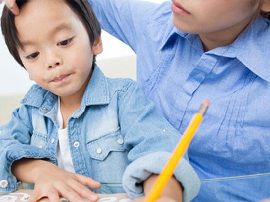 親の過干渉もモラハラの原因になる可能性がある