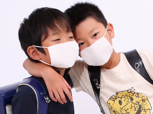 マスクをした子供
