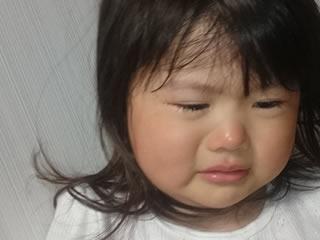 バクテリアに苦しむ幼児