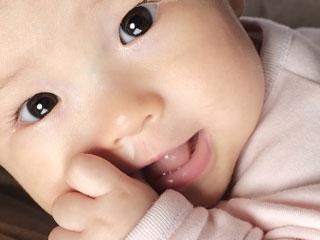 鼻水を垂らした赤ちゃん