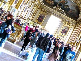 海外の美術館と訪れる人々