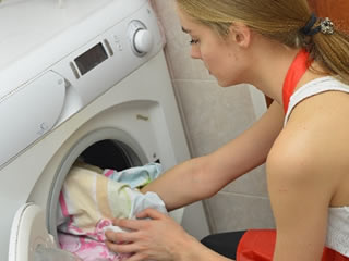 乾燥機に掛けられる複数の毛布