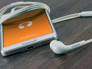 音楽プレイヤー替りにもなるスマートフォン
