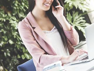 子育てと仕事を両立する働く女性