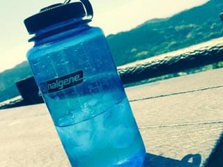 夏のお出かけに必須のペットボトル