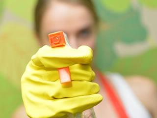 レンジフードを拭くためのセスキ炭酸ソーダが入ったスプレー