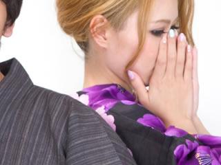 思ってもいない離婚の話で呆然とする妻