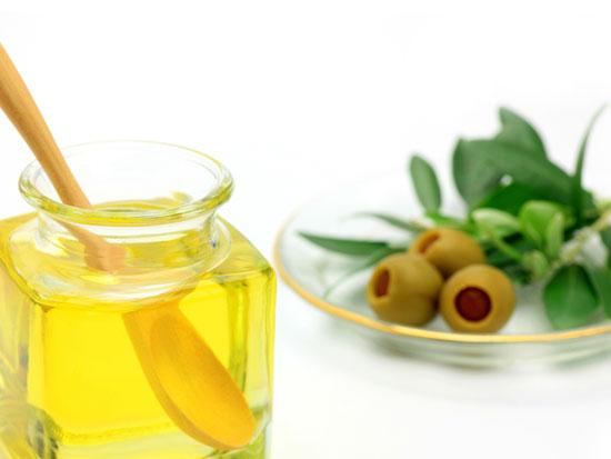 シス型不和脂肪酸のひとつオレイン酸が豊富なオリーブオイル