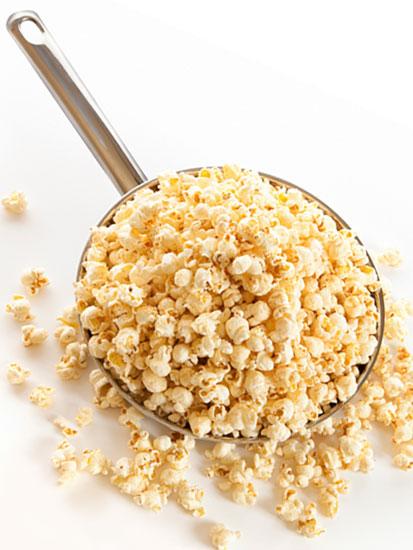トランス脂肪酸はマーガリンやポップコーンなどに多く含まれる