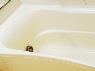 カーペット漬け置き用の水を張る浴槽