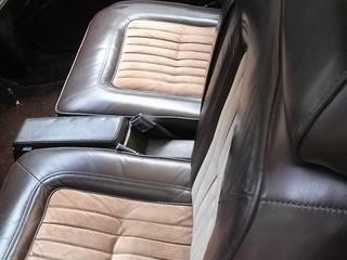 ビンテージで高級な車のシート