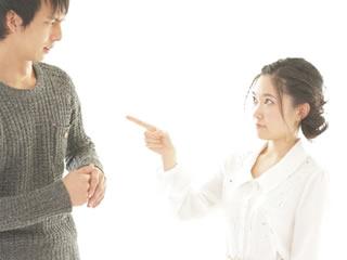 旦那にイラっとして注意する妻