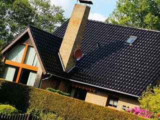 アメリカンな大きい三世帯家族が住む住宅