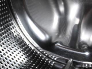 最新式のアルミ製洗濯槽を備えるドラム式洗濯機