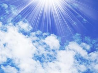 晴れやかな気持ちを表す澄んだ青空