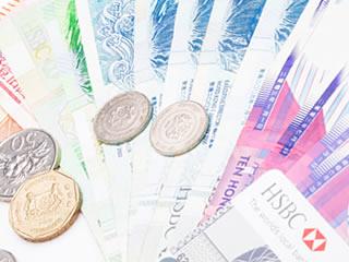 世界の紙幣とコインとクレジットカード