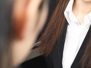 離婚が決まり就職活動を始めた女性