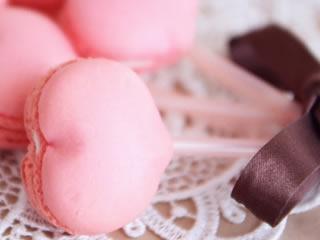 オシャレなハート型のマカロンの甘みにも使われるステビア