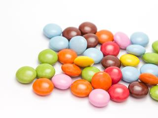 合成甘味料の入ったカラフルなお菓子