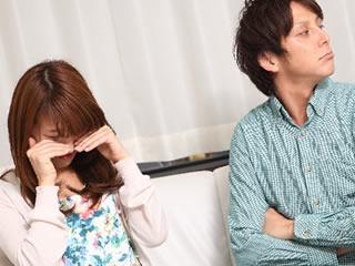 愛情が足りずに夫婦の溝が広がる若い夫婦