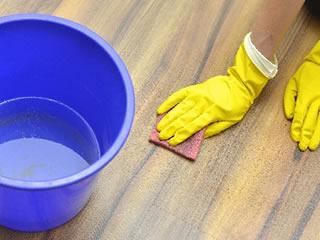 フローリンの水垢を落とすときにも便利なセスキ炭酸ソーダ水