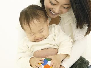 夫に愛情がなくても子どもを守る母親の愛情