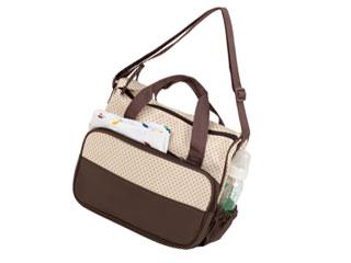 荷物の入ったマザーバッグ