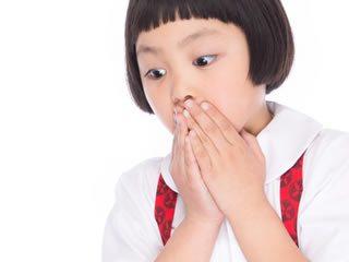 タール系色素の危険に驚く子供