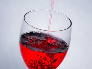 亜硫酸ナトリウムが入っている赤ワイン