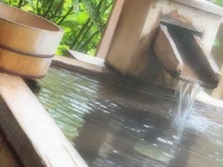 天然露天風呂と風呂桶