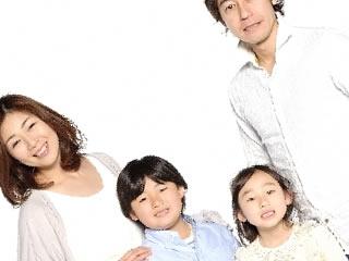 家族の個人情報の在り方を再確認する親子