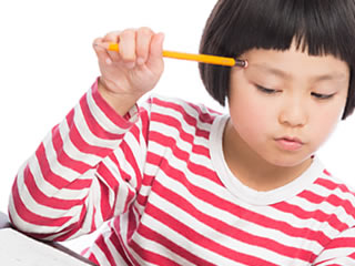 マイナンバーの管理に頭を悩ます子供