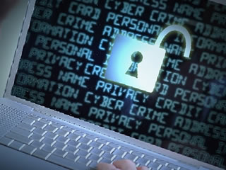 個人情報が開かれたパソコン