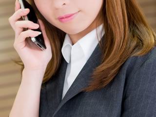 不受理申請を電話で取り消ししようとする女性