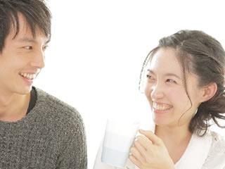 お互いを干渉せず適度な距離を楽しむ夫婦