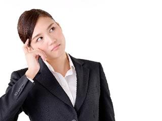 マイナンバーの必要性を疑う女性