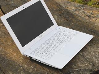 マイナポータルに接続されたノートパソコン