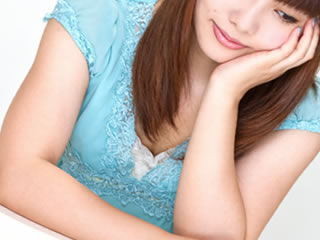 慰謝料請求のメリットについて考える調停離婚中の女性