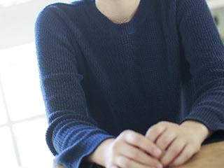 別居婚のメリットとデメリットを考えている女性