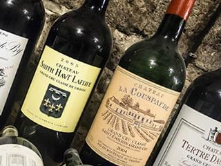 数多くの種類を扱っているワインバー