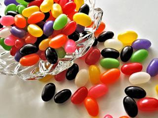 添加物たっぷりの海外で作られたキャンディ