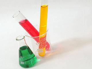 タール色素の入った試験管