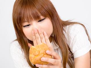 ゼロカロリーのシュークリームに嬉しさを隠せない女性