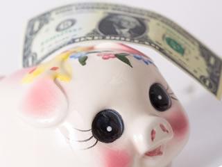 貯金箱に入りきらない海外の紙幣