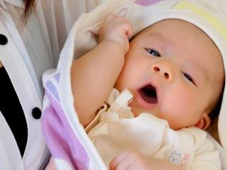 少し下痢気味で体調が心配な赤ちゃん