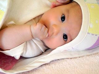 いつまでもミルクを飲まないワガママ赤ちゃん